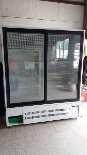 Холодильный шкаф Версия ШХ 1.4 б/у